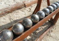 Boules de pétanque sur la plage
