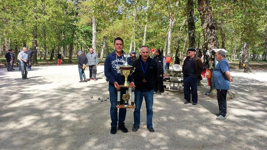 Jean-Pierre Tugaut et Gérard Brunello, président du club - ©Les boules du Broustic