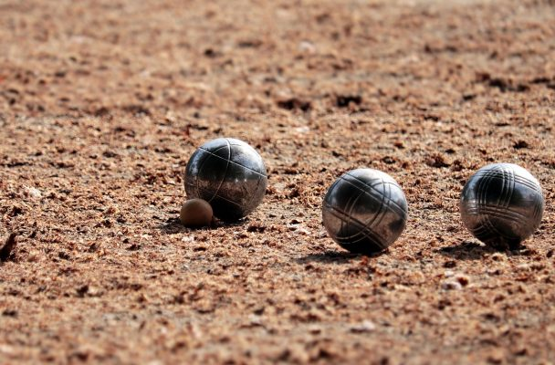 Boules sur terrain