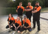 Equipe mixte portant la tenue du Club La Pétanque Bourcomptoise