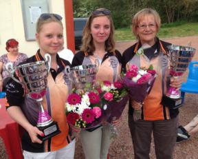 Agathe et Lou Dubreule, championnes de pétanque en Liigue Féminine Triplette de la région Centre